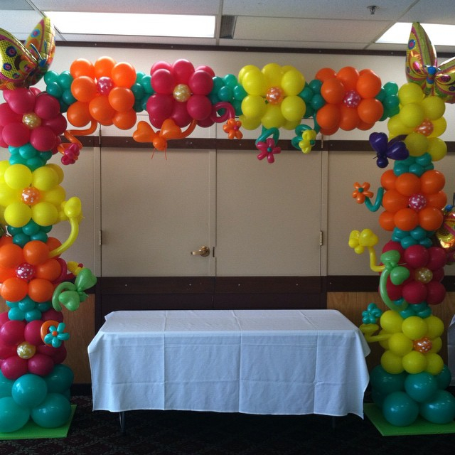Corporate parties can fun filled with balloon decoration for Ballons decoration